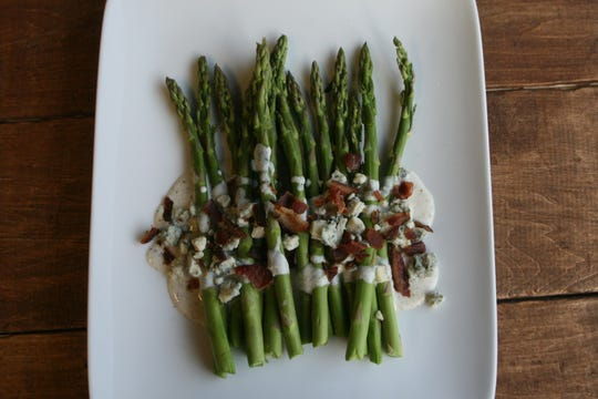 Steamed Asparagus with Gorgonzola and Bacon