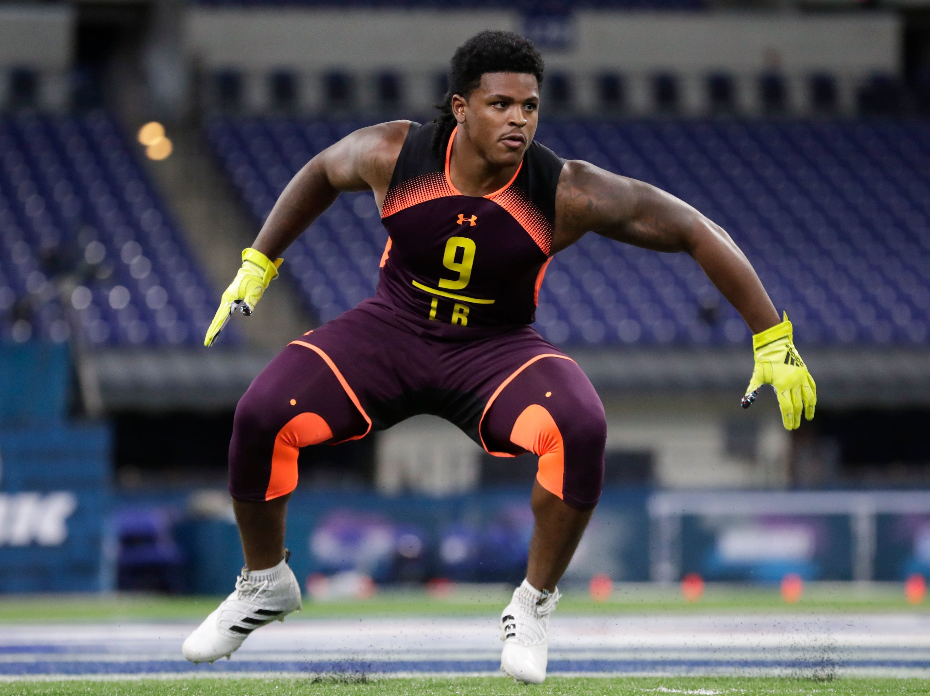 27. Oakland Raiders: LB Devin Bush, Michigan – Bush isn't very big, but he does a lot of things well and should find a home in the middle of the Oakland defense.