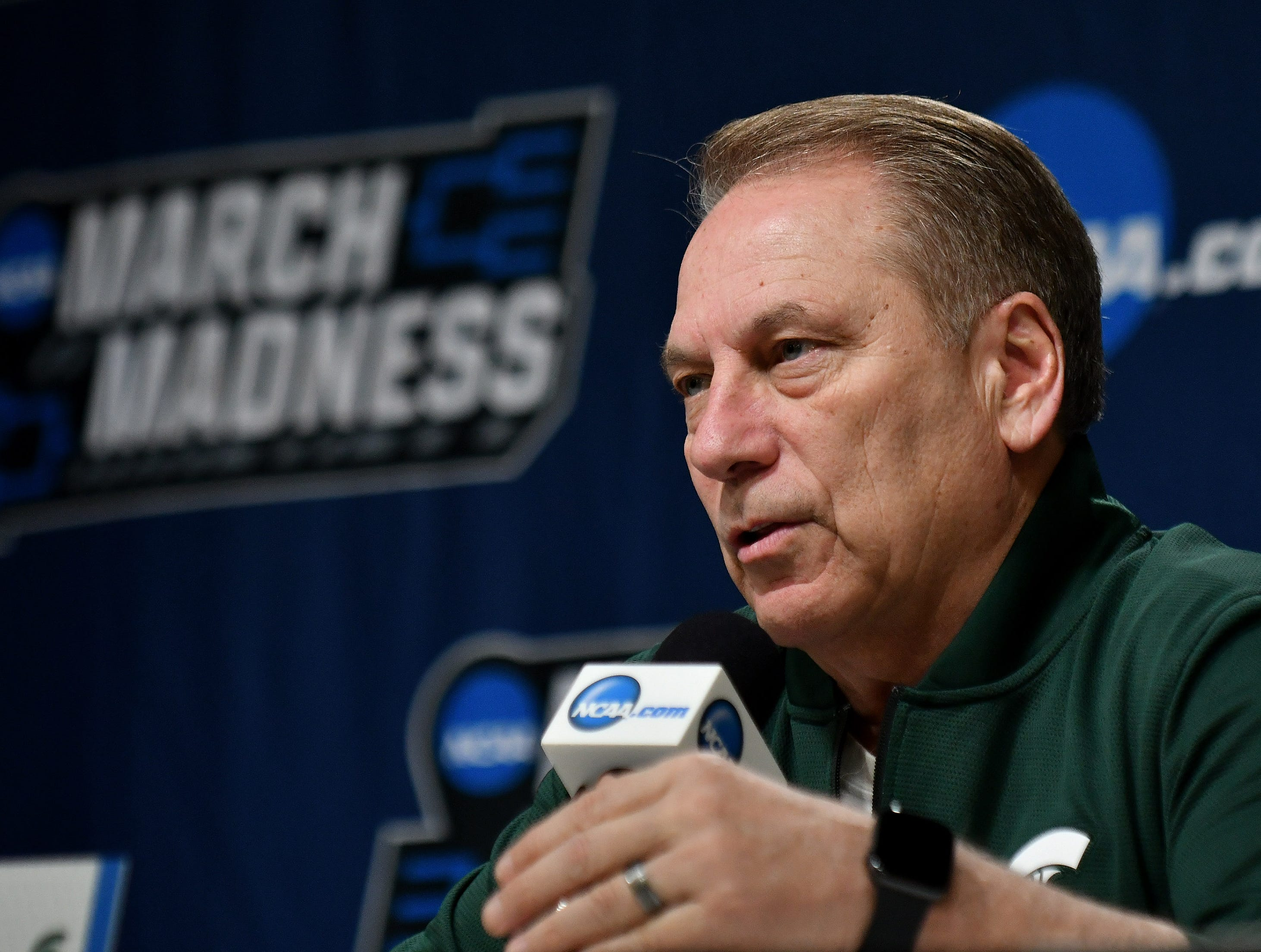 Michigan State head coach Tom Izzo answers questions during a press conference before the team's practice in Iowa Wednesday.