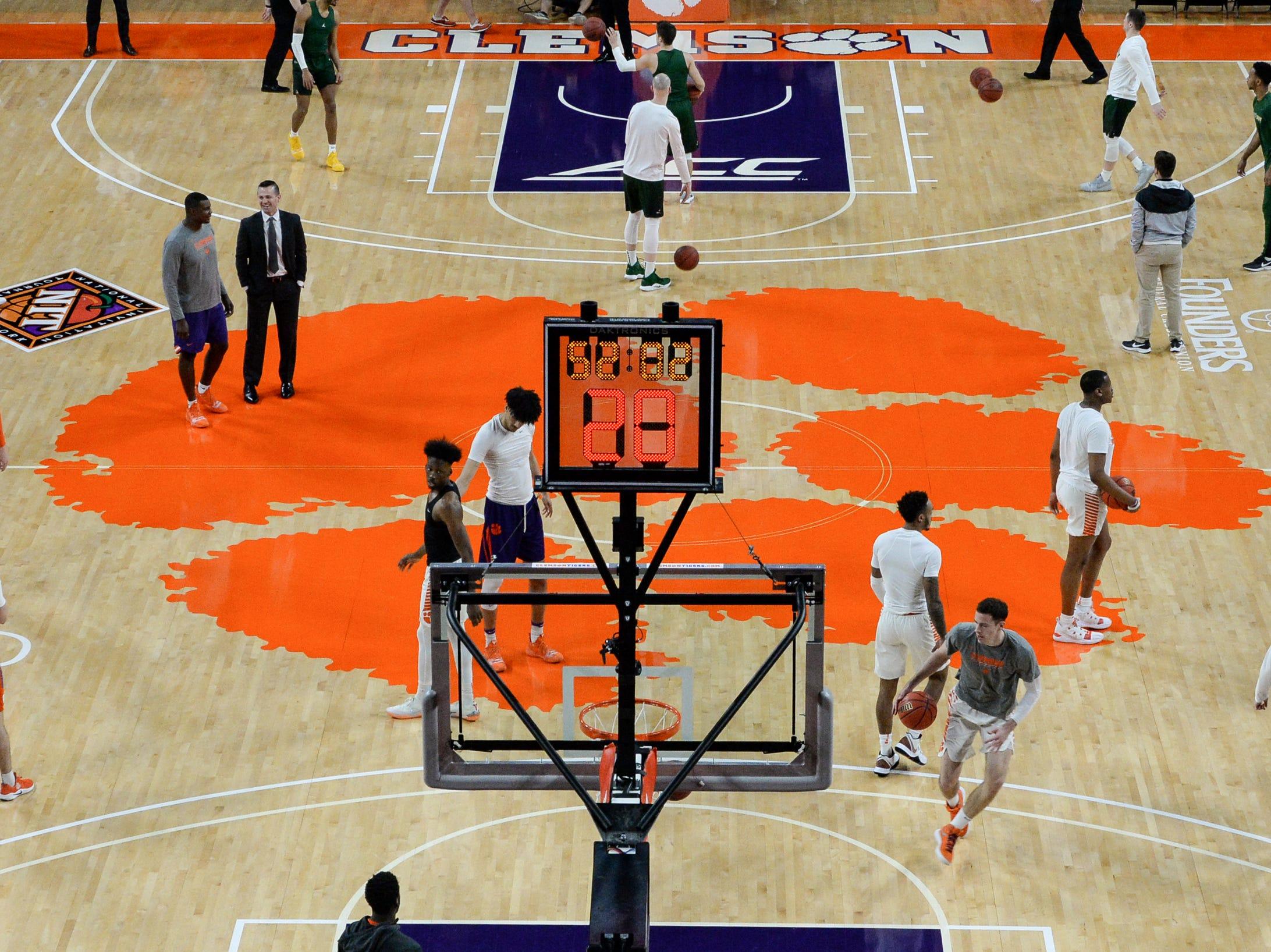 Clemson warms up before the NIT at Littlejohn Coliseum in Clemson Tuesday, March 19, 2019.