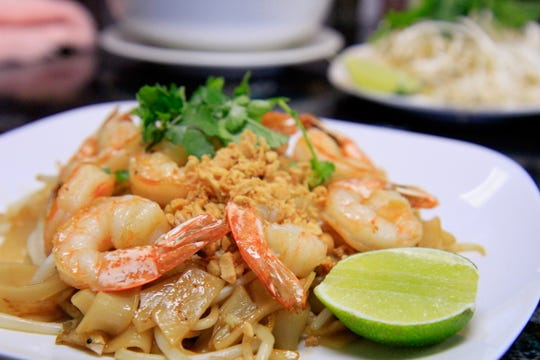 Thai dishes are also available at Pho Vi Tai such as the well-known pad thai.