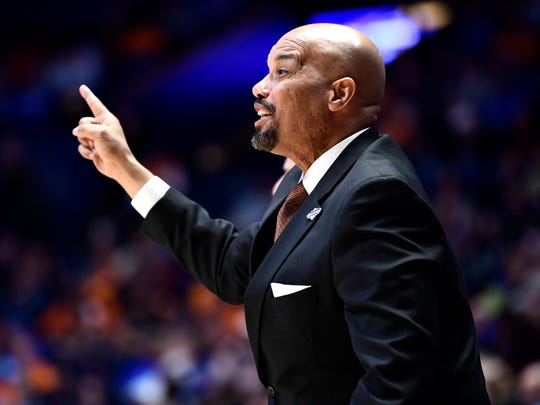 Tennessee associate head coach Rob Lanier during the Vols' game against Mississippi State in the SEC Tournament on March 15 at Bridgestone Arena.