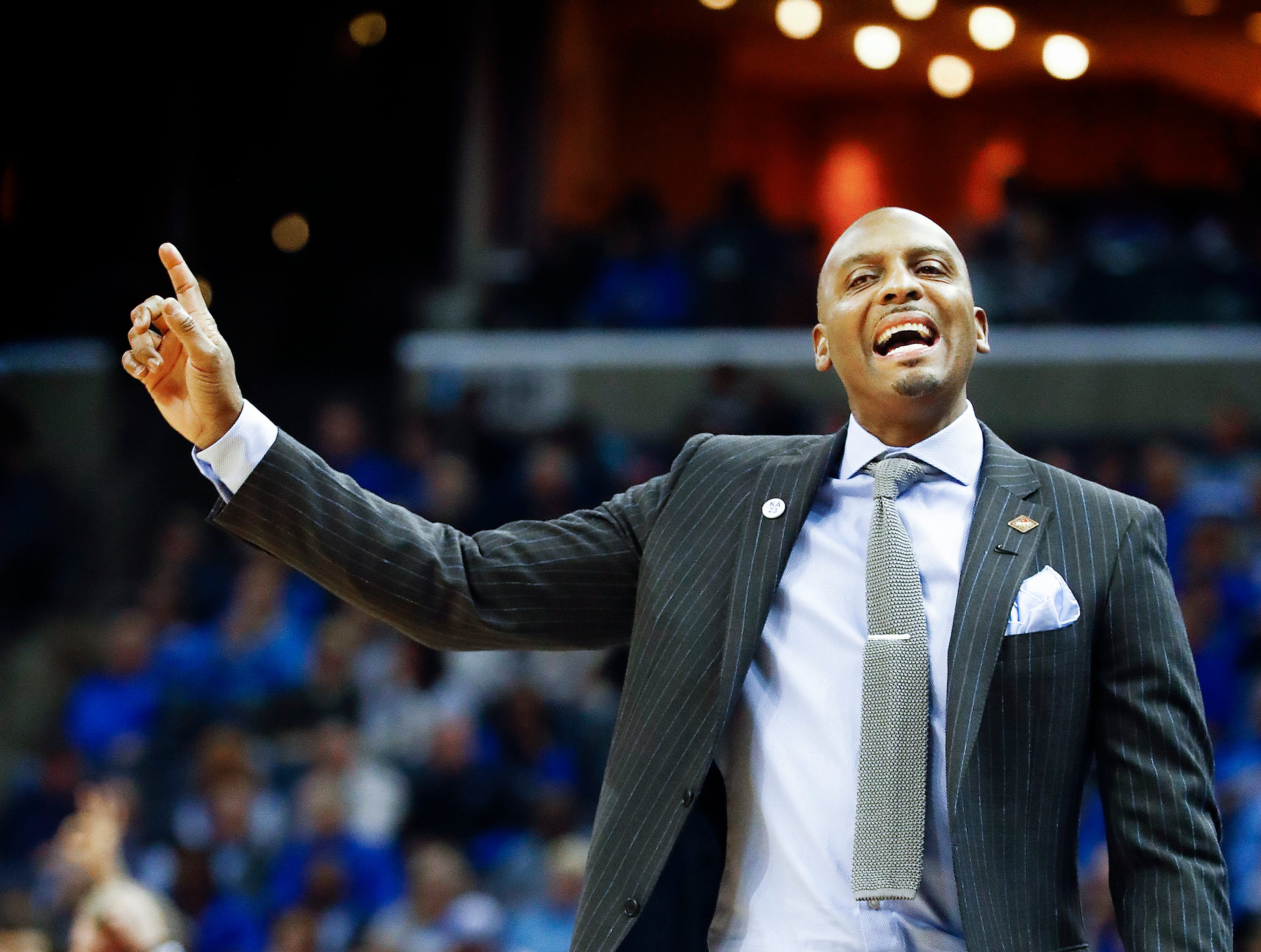 Memphis head coach Penny Hardaway during action against San Diego in their first round NIT game at the FedExForum, Tuesday, March 19, 2019.