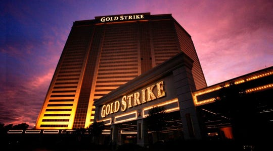 Gold Strike casino's 31-story hotel contains about 1,200 rooms and is the largest hotel in metro Memphis and the fourth-tallest building in Mississippi.