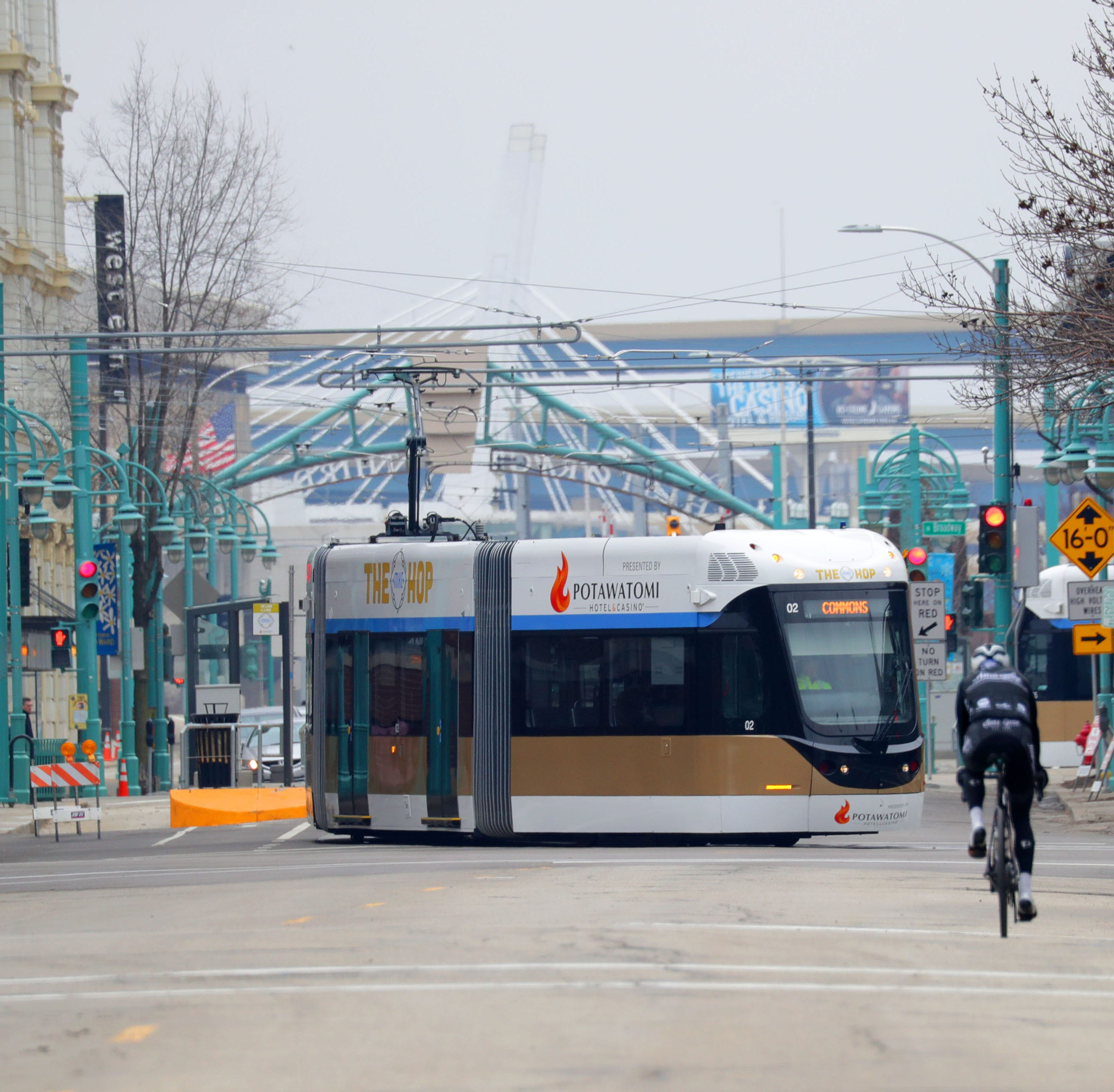 Milwaukee streetcar expansion not running quite on time after aldermen raise questions