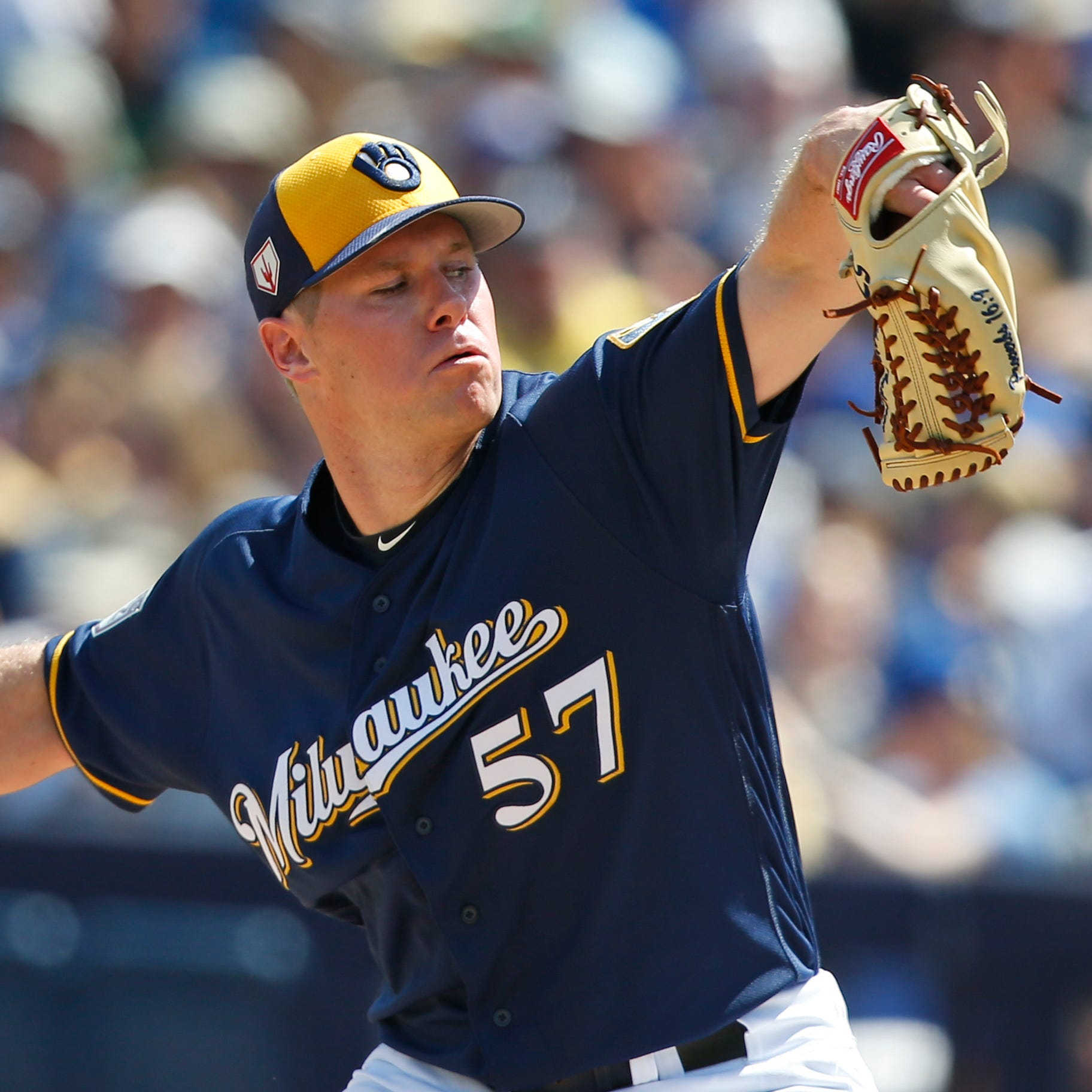 Camp report: Chase Anderson returns to old delivery and pitches well in loss to Rangers