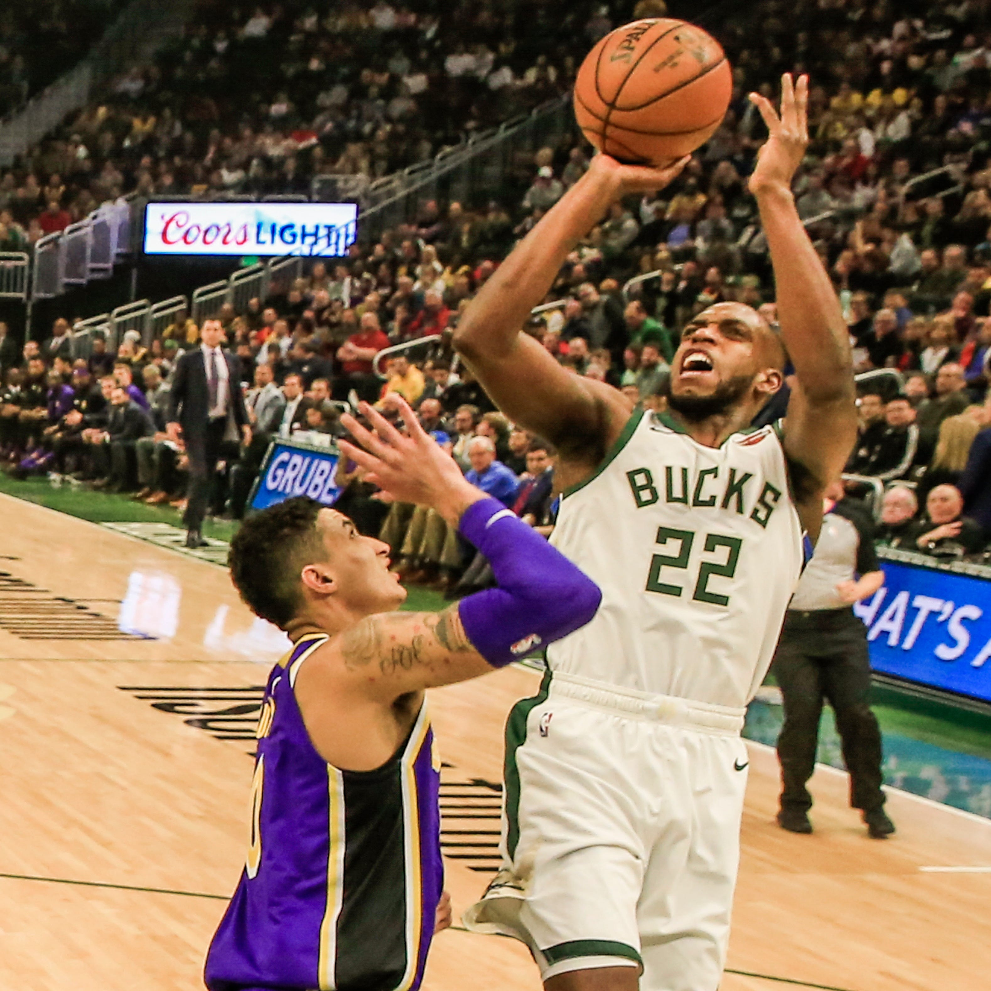 Bucks 115, Lakers 101: Khris Middleton, Brook Lopez and Nikola Mirotic went to work