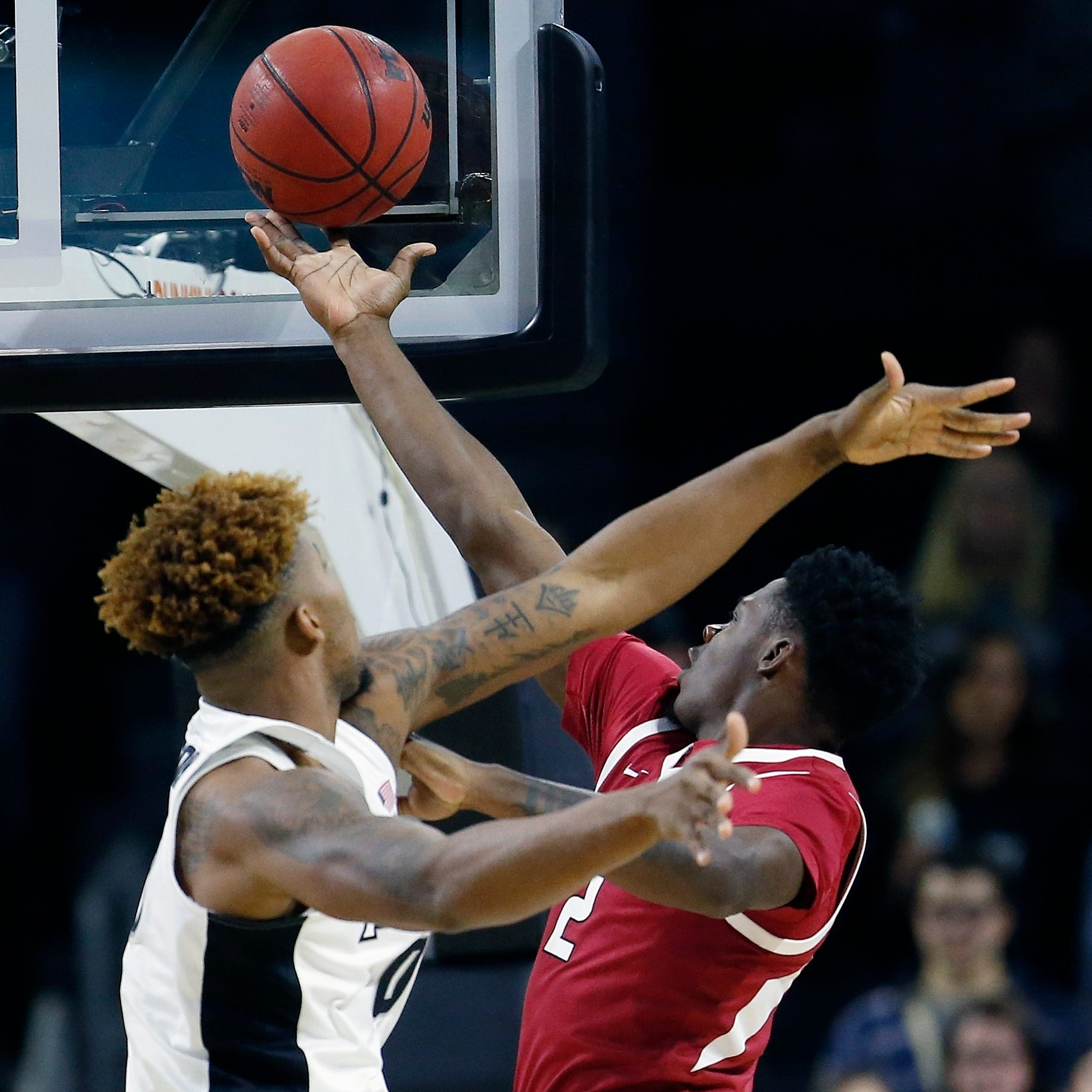 Razorbacks fill void, whip Friars
