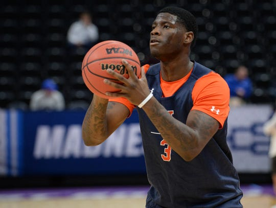 Auburn forward Danjel Purifoy (3) shoots during practice before the first round of the 2019 NCAA Tournament at Vivint Smart Home Arena on March 20, 2019, in Salt Lake City, UT.