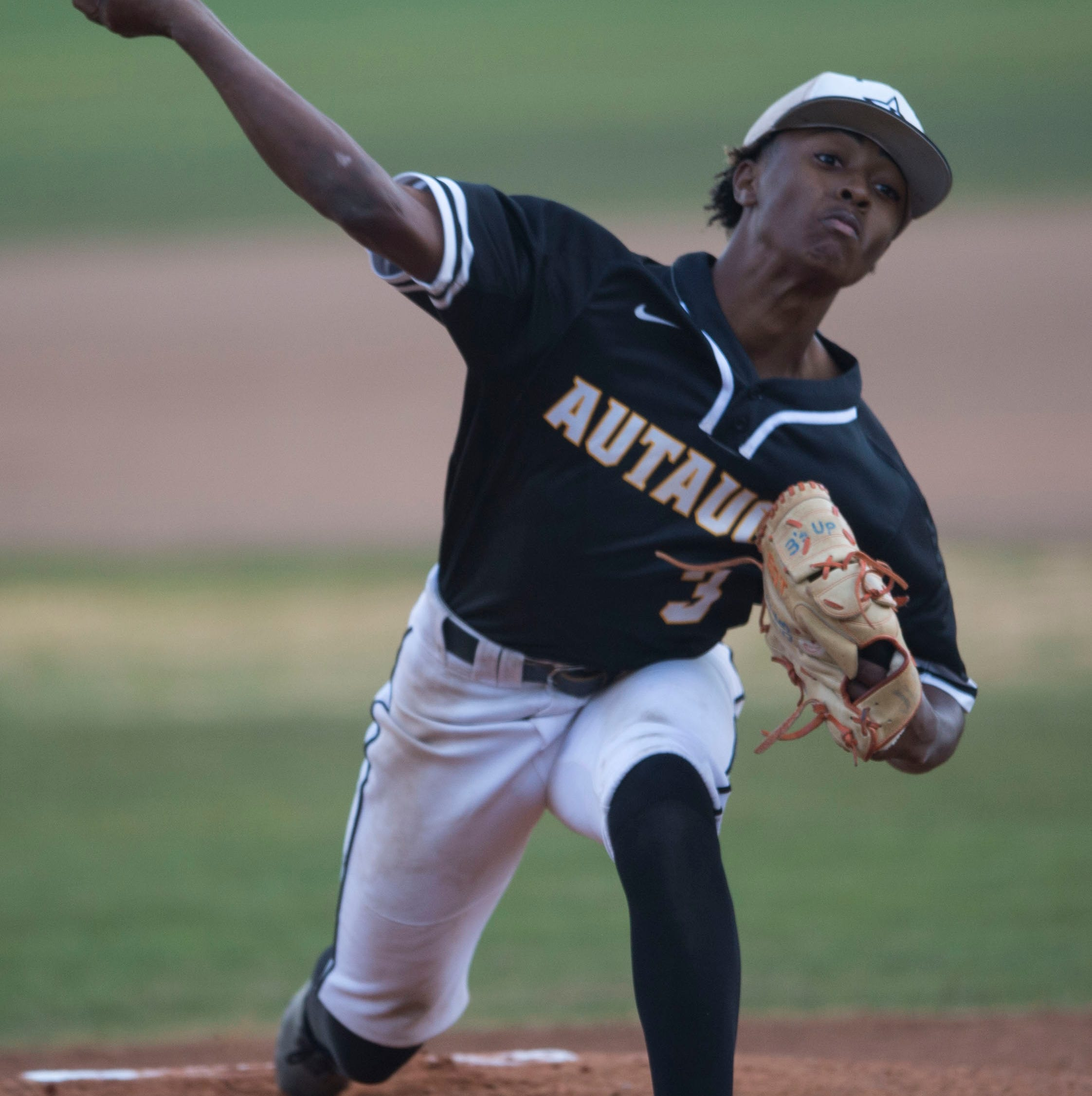 Autauga's Kyrin Long (3) pitches the ball against Edgewood at Autauga Academy in Prattville, Ala., on Tuesday, March 19, 2019.