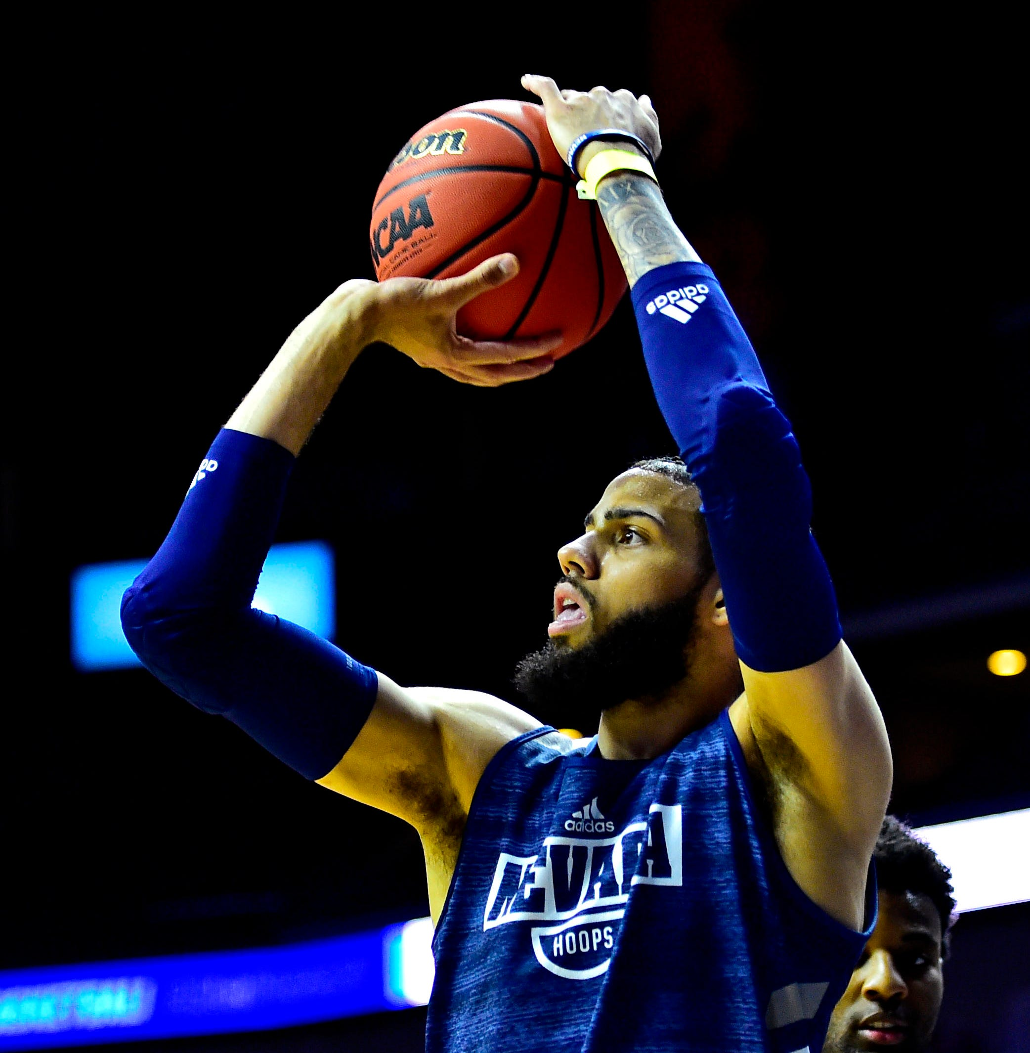 March Madness 2019: Nevada's Cody Martin battling flu, receives IV before Florida game