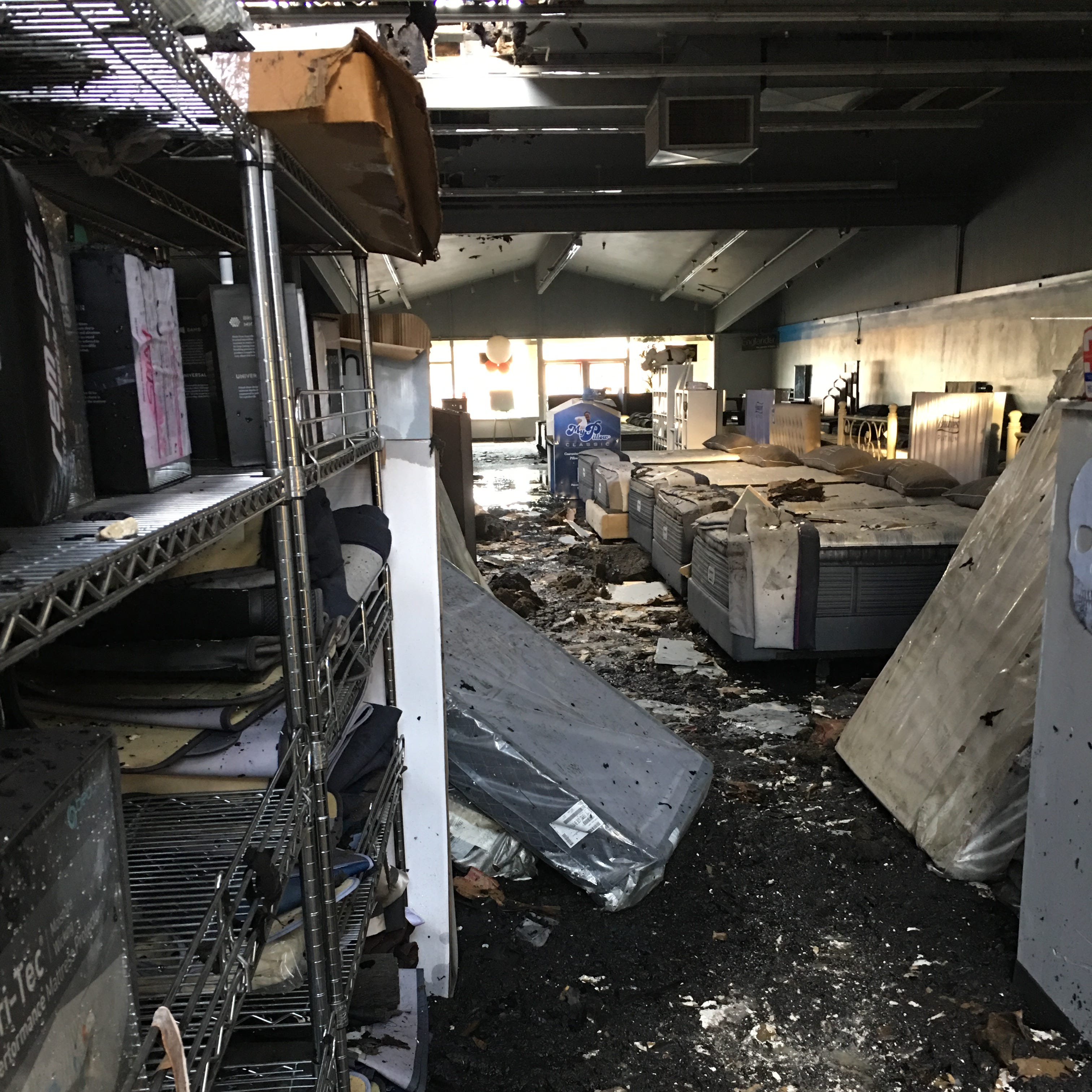 Mattress World Northwest suffers thousands in losses after Northeast Salem strip mall fire