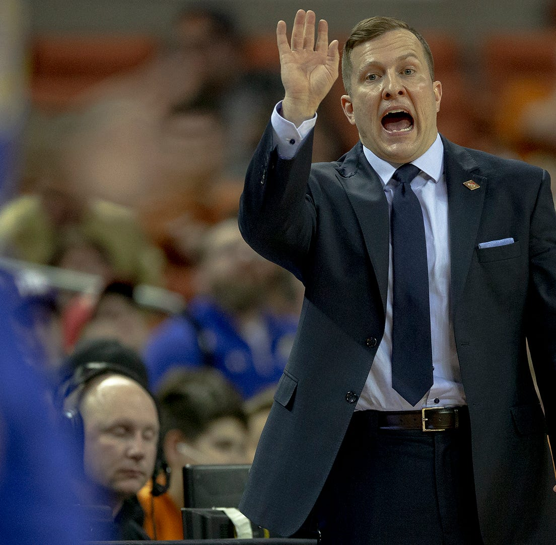 UNLV hires South Dakota State coach T.J. Otzelberger
