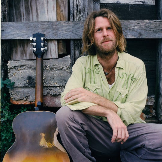 Southern troubadour and rocker Grayson Capps mixes stories and songs Friday at Bradfordville Blues Club.