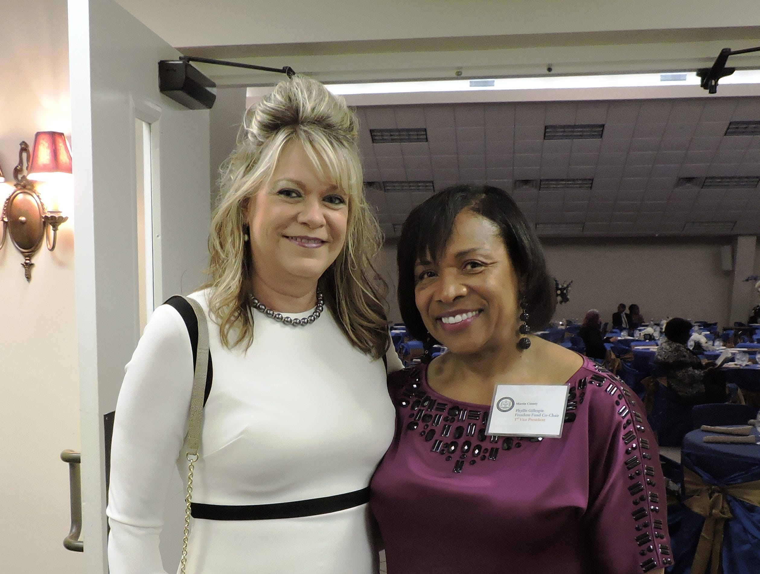 Karen Dyess, left, and Phyllis Gillespie at the 2019 Freedom Fund Banquet.