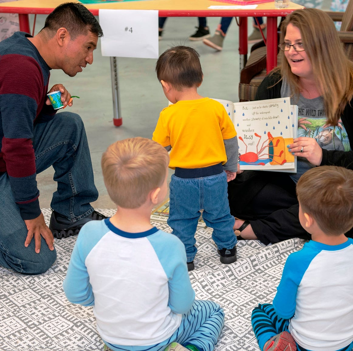 Pajama-clad luminaries read to children at benefit for Language & Literacy Connection