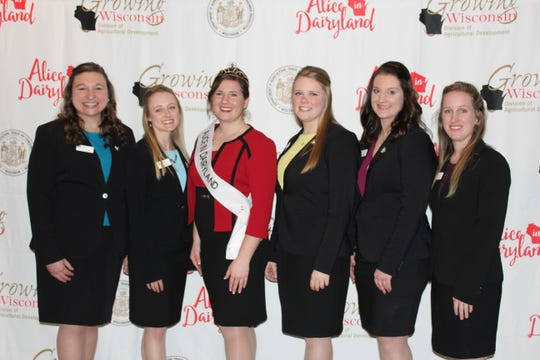 Joining Alice in Dairyland Kaitlyn Riley (from left) are Tess Zettle, Mariah Martin, Abigail Martin, Cassandra Krull and Sarah Achenbach.