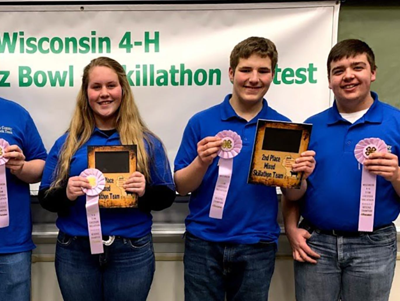 Jackson County team members (from left) Trent Laufenberg, Wyatt Berg, Grace Kling, Kaden Moseley, Austin Laufenberg took second place in the Mixed Skillathon.