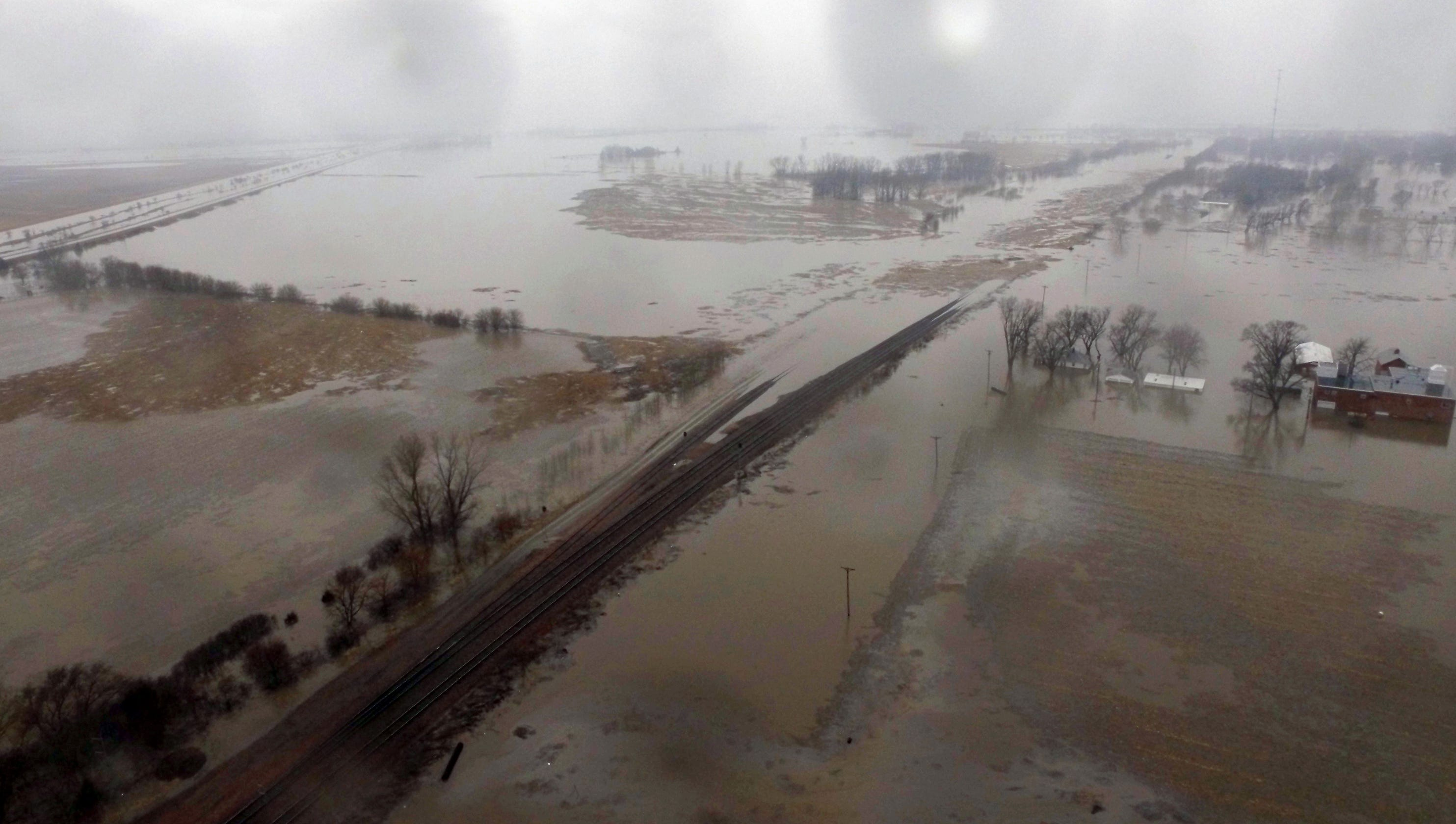Midwest flooding in Nebraska, Iowa, Missouri could last all spring