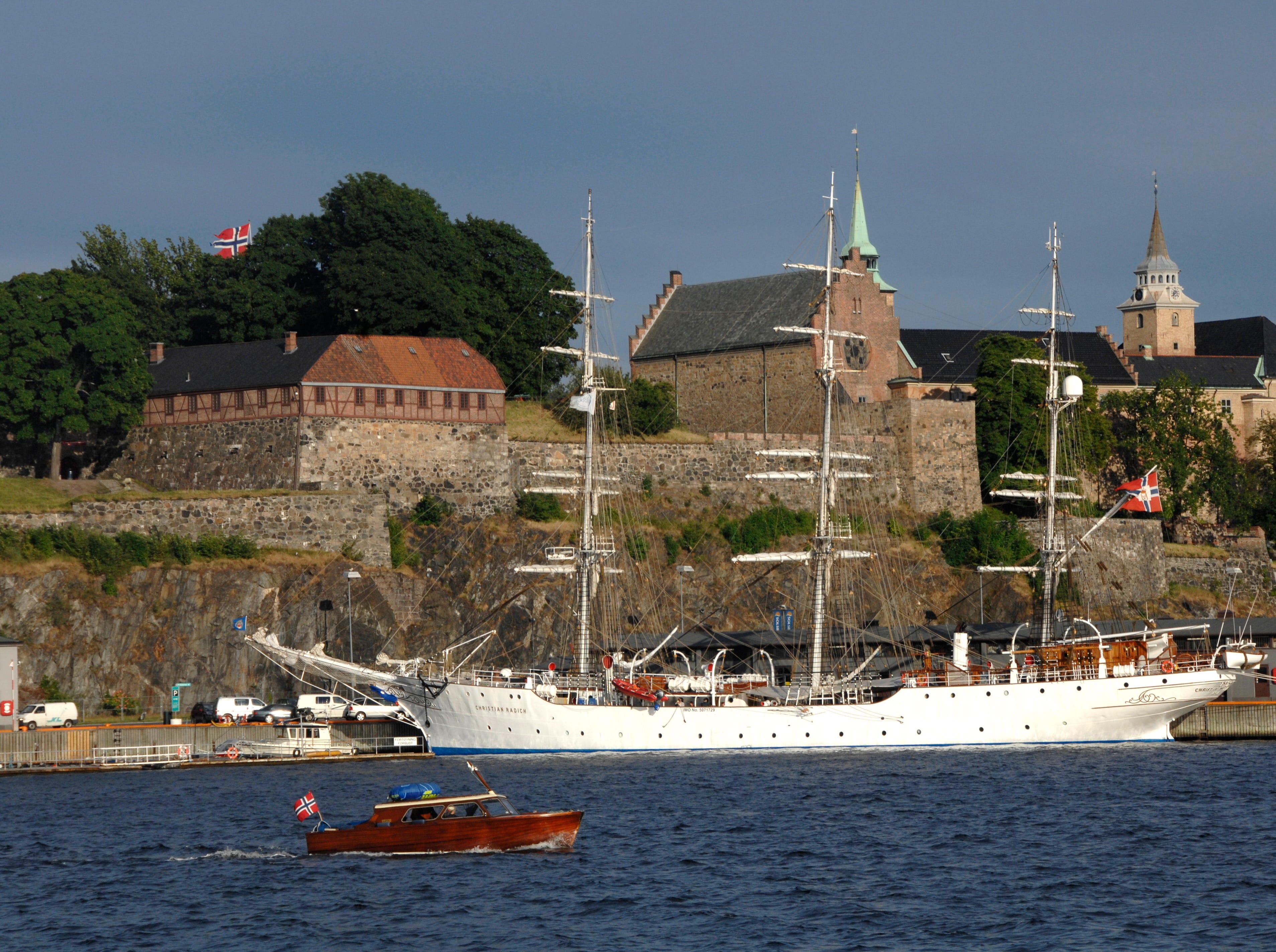 Travel - Oscar Locations - FROZENOslo Harbour and Akershus Fortress Credit: Nancy Bundt, Visitnorway.com  [Via MerlinFTP Drop]