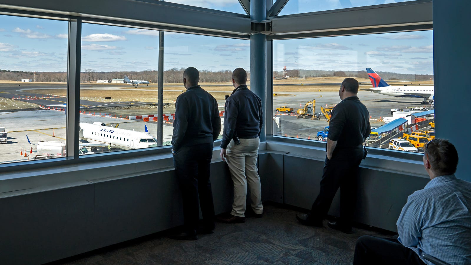 While it once had an open-air, pre-security observation deck, today the Westchester County Airport in White Plains, New York, has an enclosed observation gallery on the third floor of the main terminal with an arrival board and several rows of chairs.