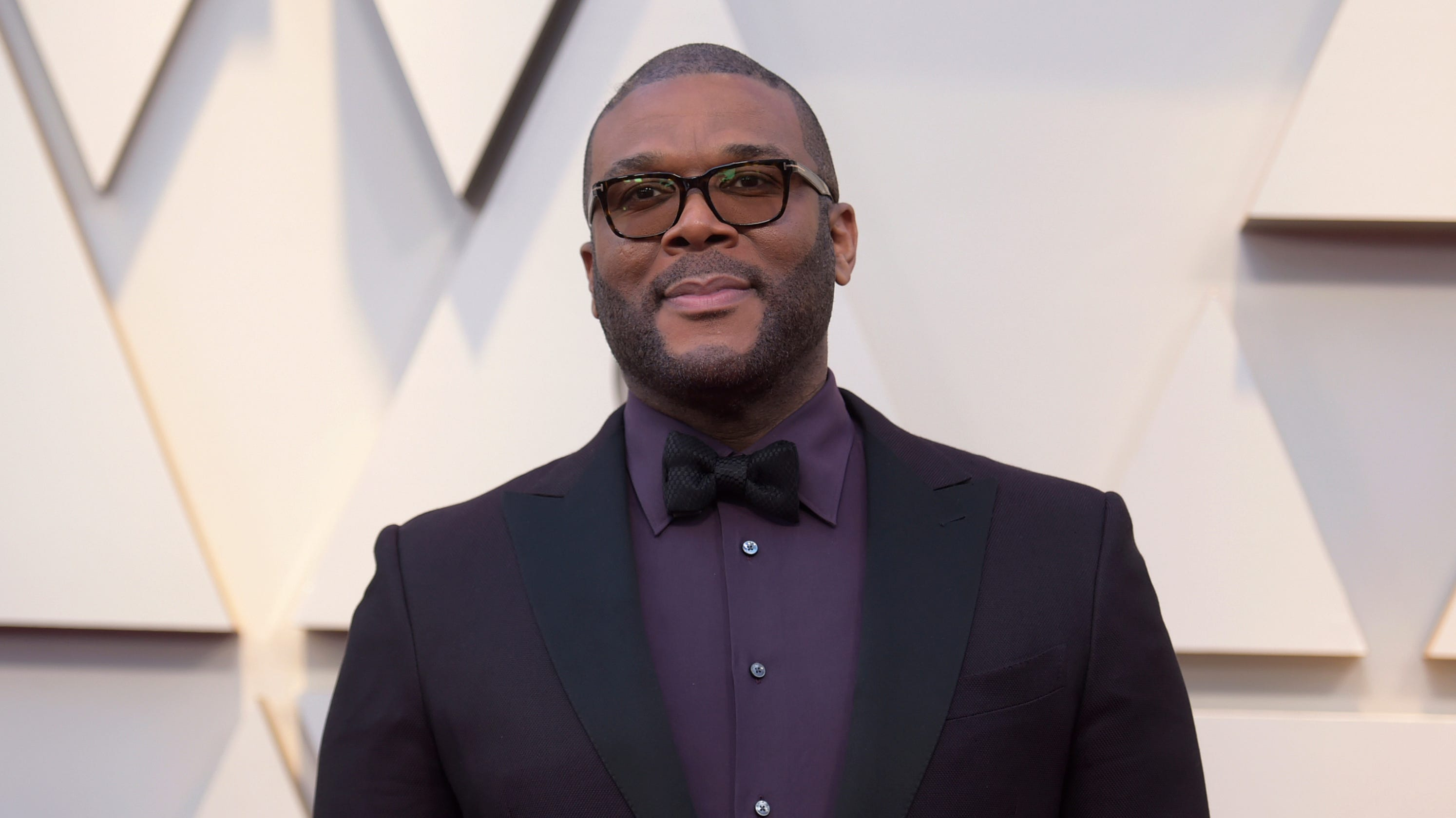 Tyler Perry pays expenses for the family of a slain single mom of 4: rent, school, funeral