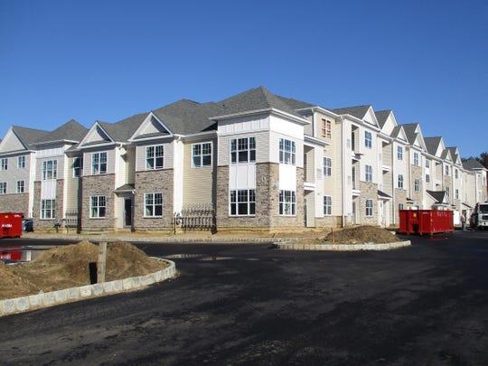 Hampshire Crossing apartments