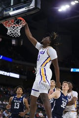 LSU Tigers forward Naz Reid (0) dunks against Yale Bulldogs