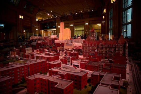 Cincinnati in Motion shows Downtown Cincinnati on a 1/64 scale in the 1940s.