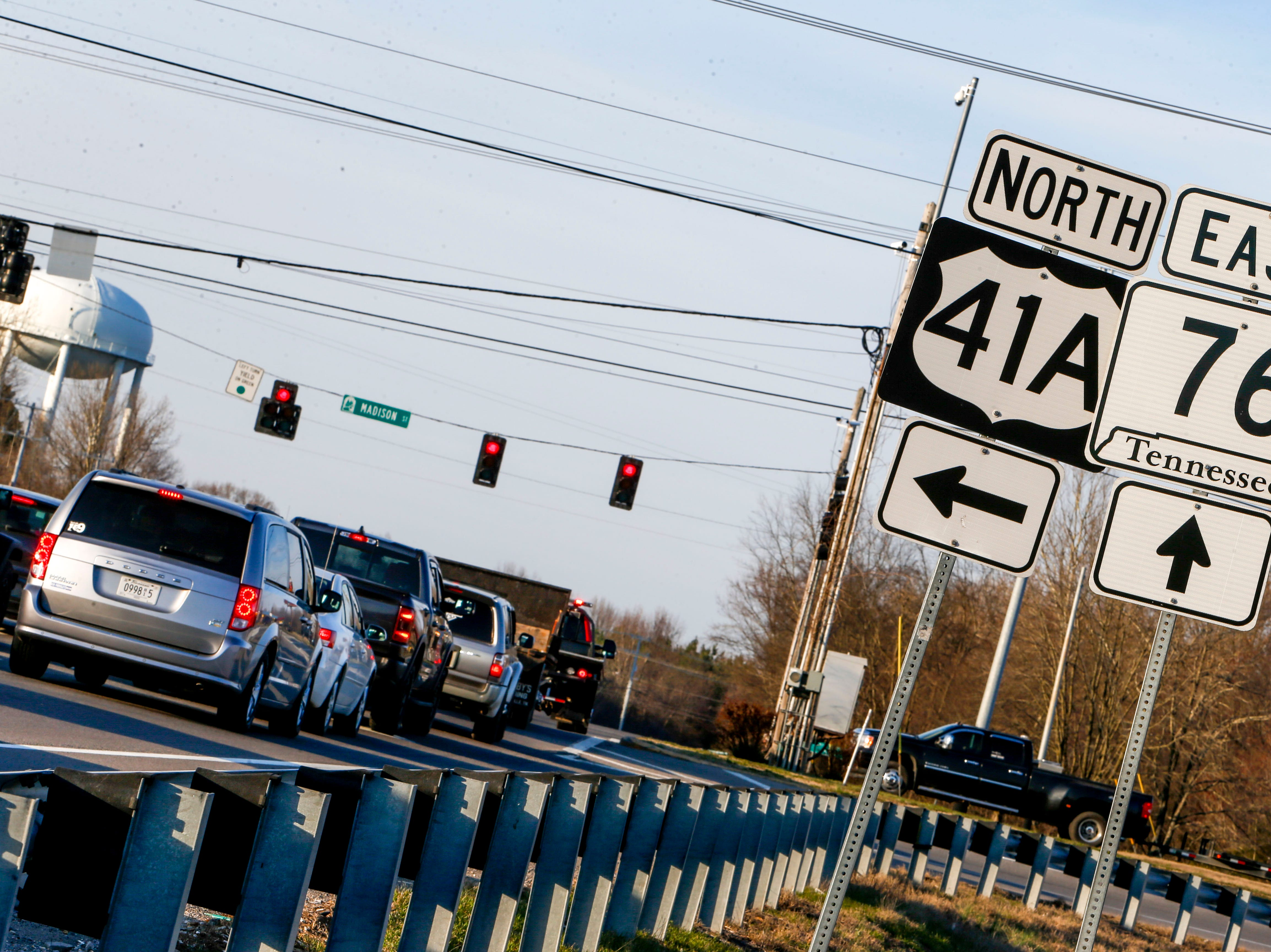 Cars line up at the light at the intersection of Madison St and Hwy 76 in Clarksville, Tenn., on Tuesday, March 19, 2019.