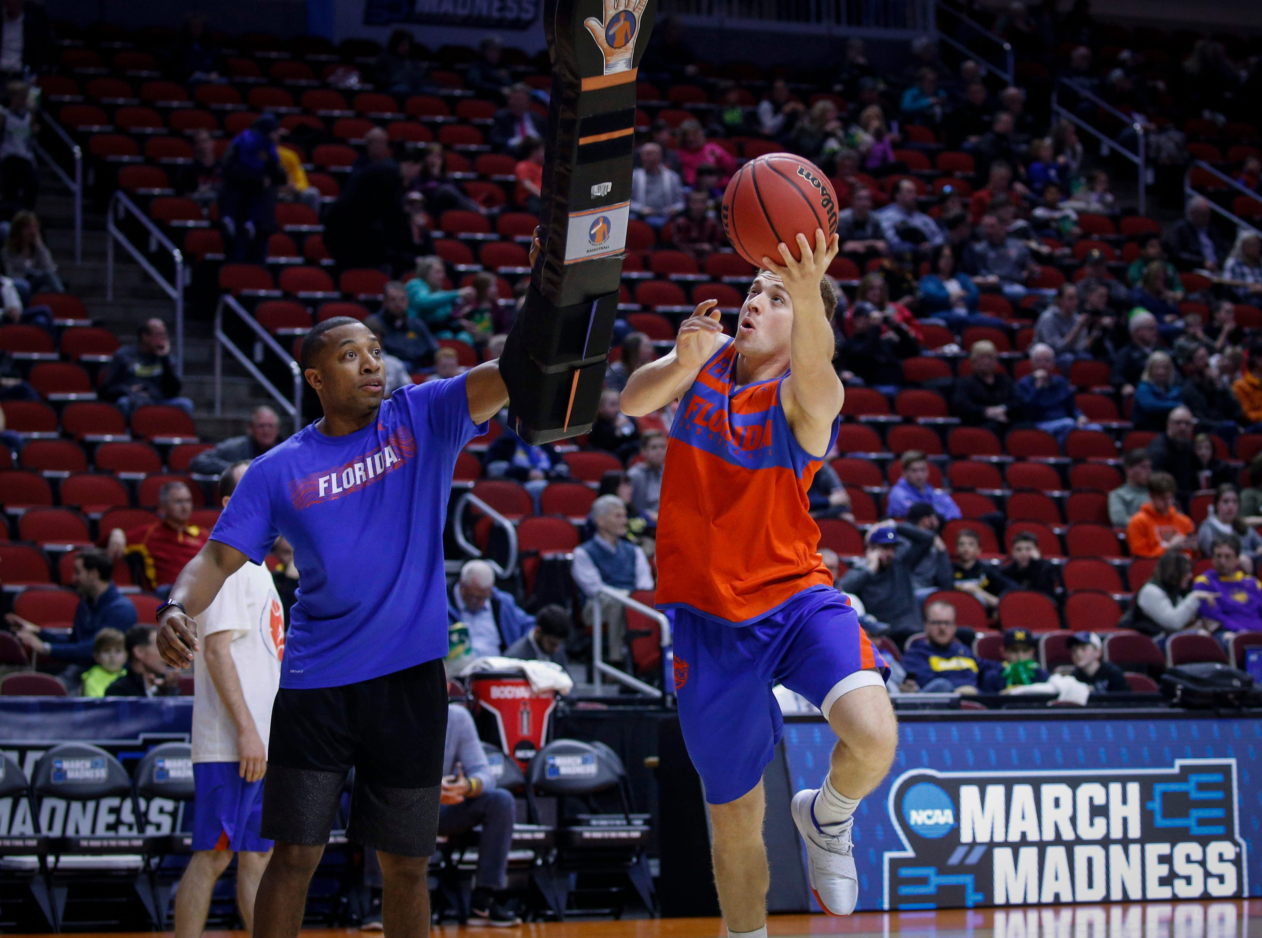 Florida sophomore Andrew Fava moves to the hoop during open practice on Wednesday, March 20, 2019, at Wells Fargo Arena in Des Moines, Iowa.