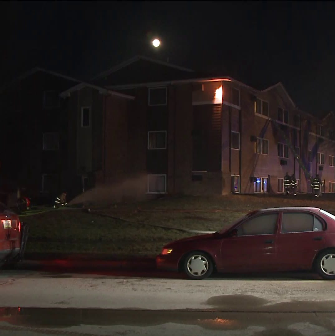 About 40 people displaced after Ankeny apartment fire