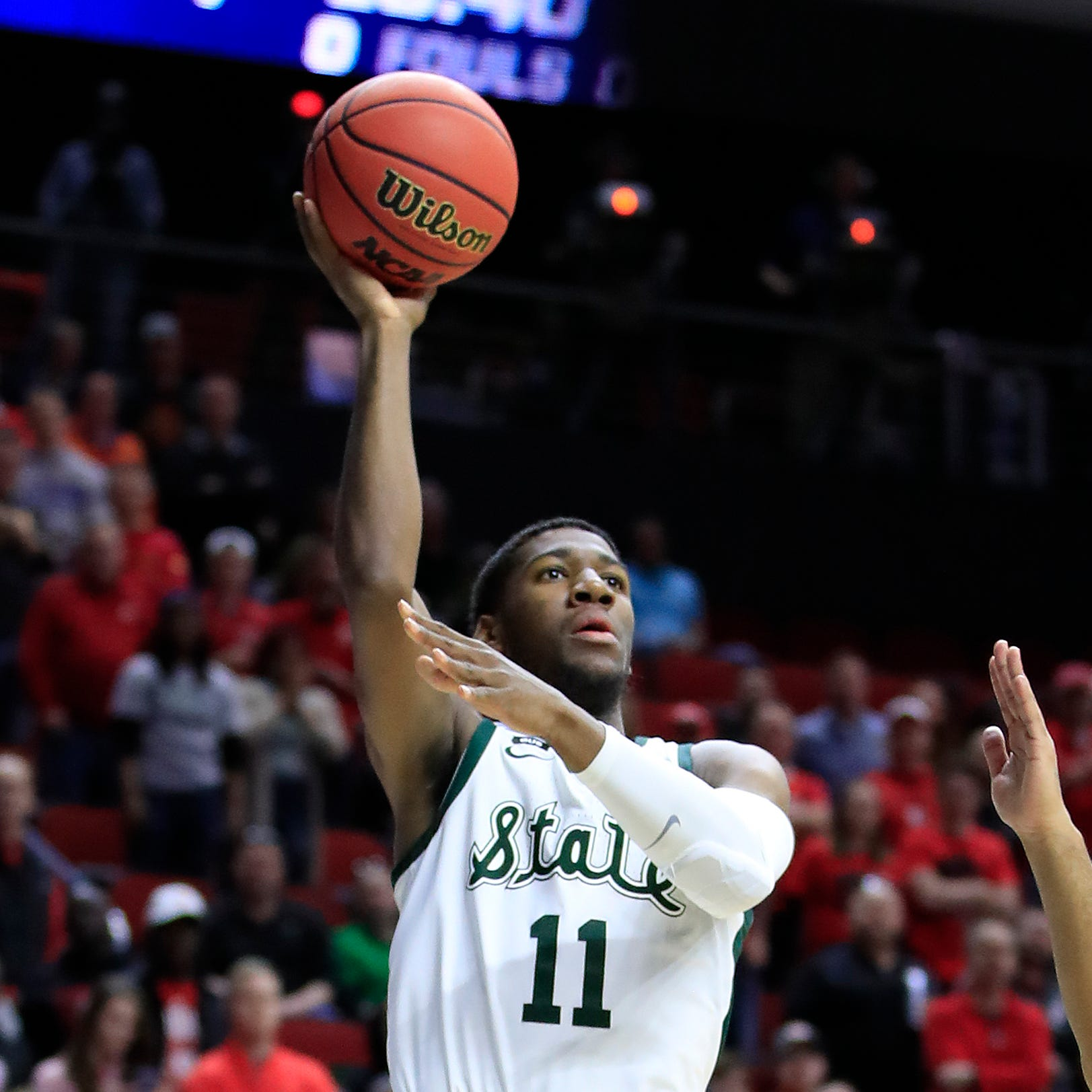 Michigan State survives and fans want to give Aaron Henry a hug