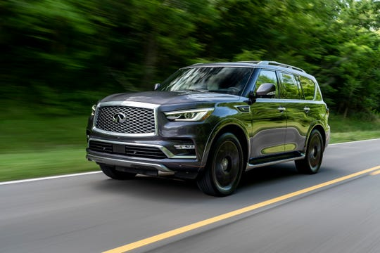 The 2019 QX80 LIMITED exterior features include specially designed dark machine-finished 22-inch forged aluminum-alloy wheels and a unique front and rear bumper lower treatment. The QX80 is available in five exterior colors, including a new LIMITED-exclusive Anthracite Gray.