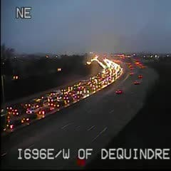 MSP: Multi-vehicle crash closed WB I-696 at Dequindre Thursday morning