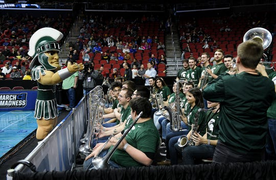 Sparty tries to lead the Michigan State band at practice Wednesday.