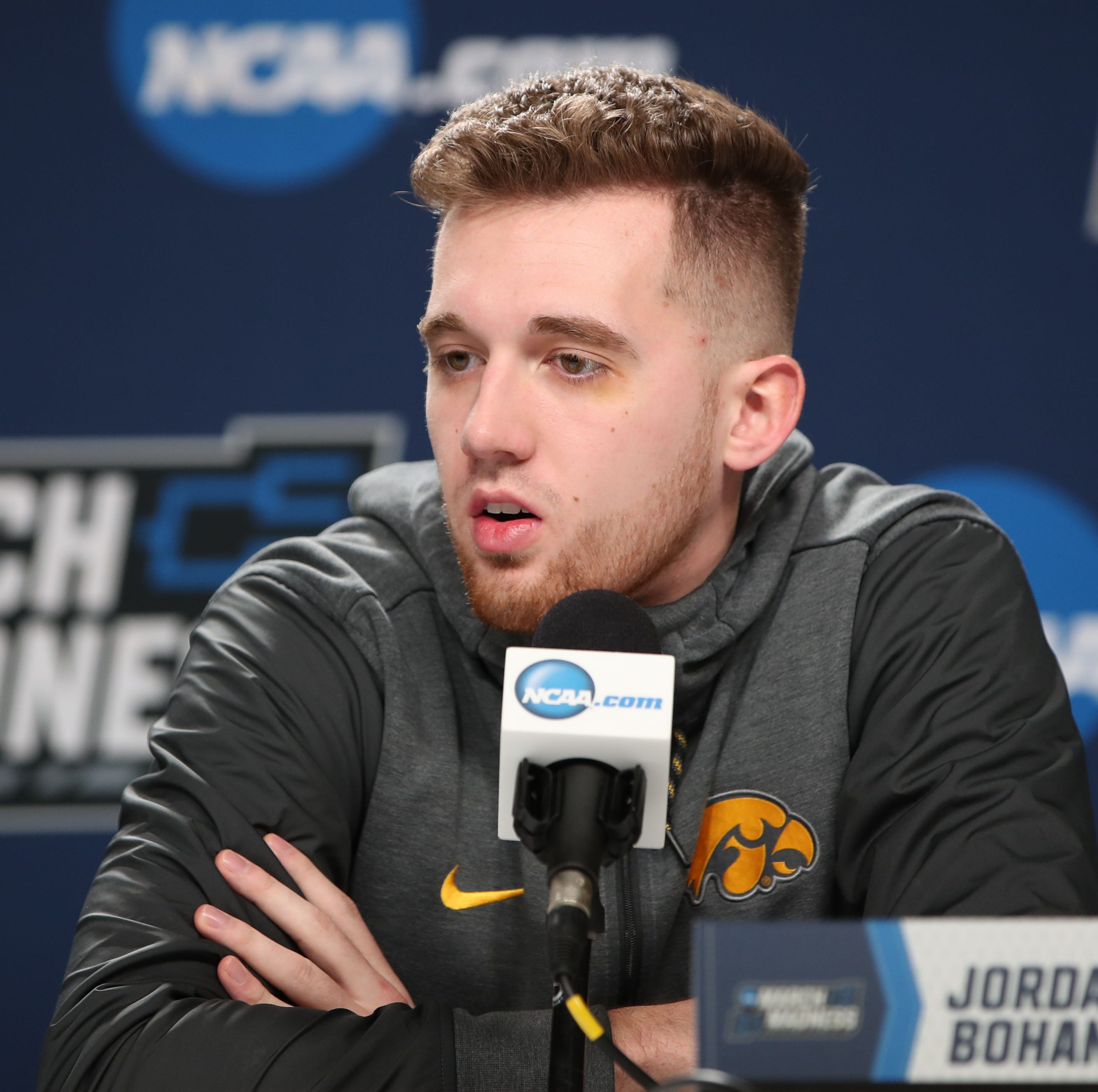 Jordan Bohannon hopes to lead a 3-point barrage as Iowa faces Cincinnati