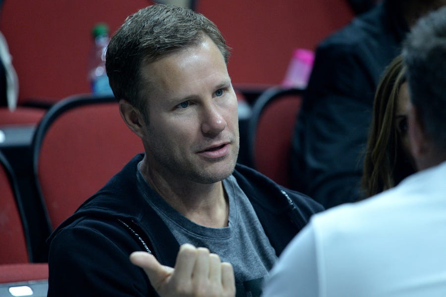 Was Fred Hoiberg hanging out at the NCAA tournament regional in Des Moines, Iowa, this past weekend? Yes. Are we officially freaking out that he may return to the college game? Double yes.
