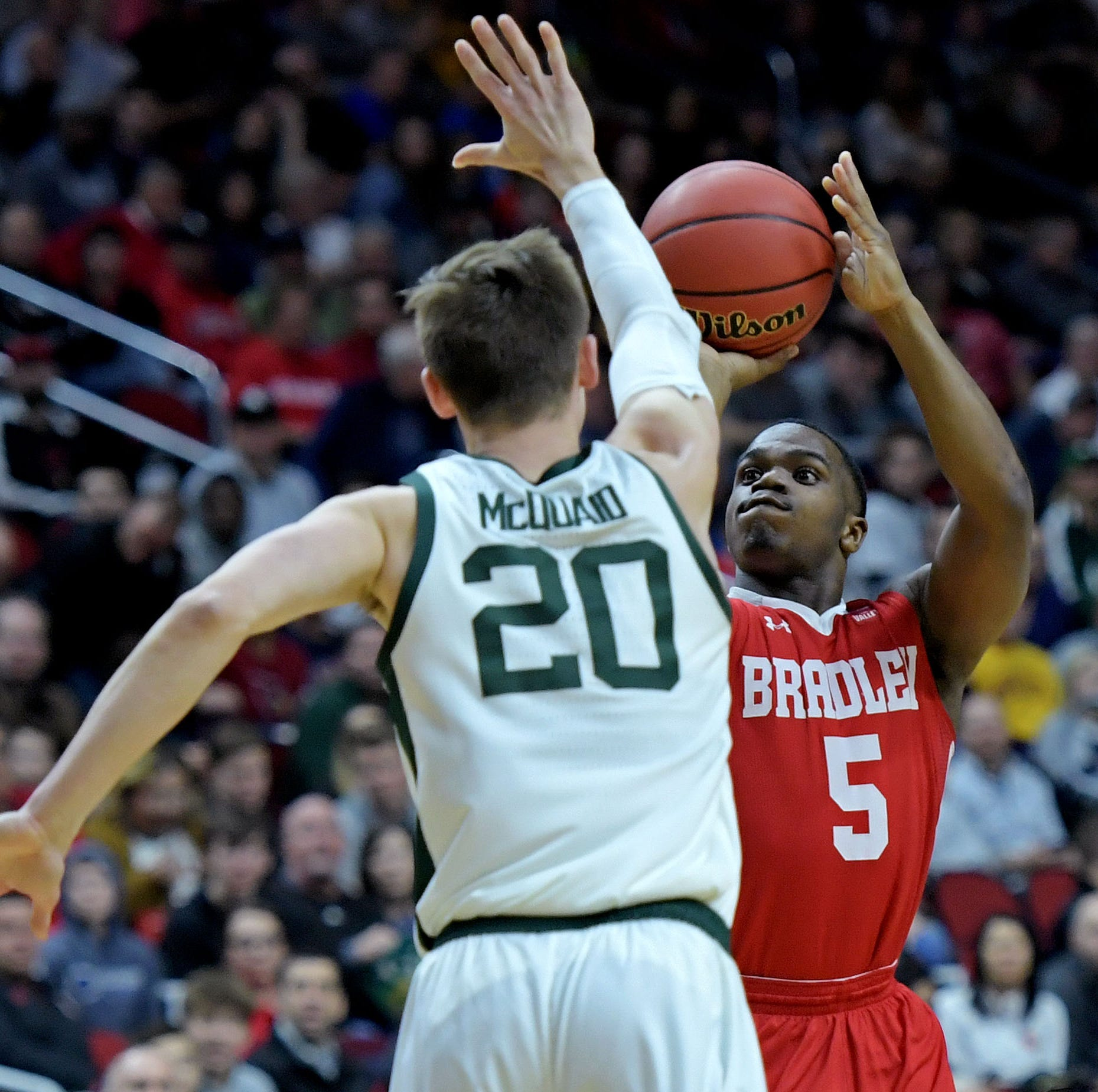 March Madness: Michigan State score has fans freaking out now as MSU struggles vs. Bradley