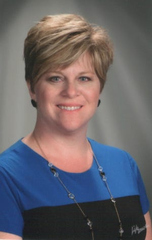 Lynn Davies will leave Stone Bank School District in May.