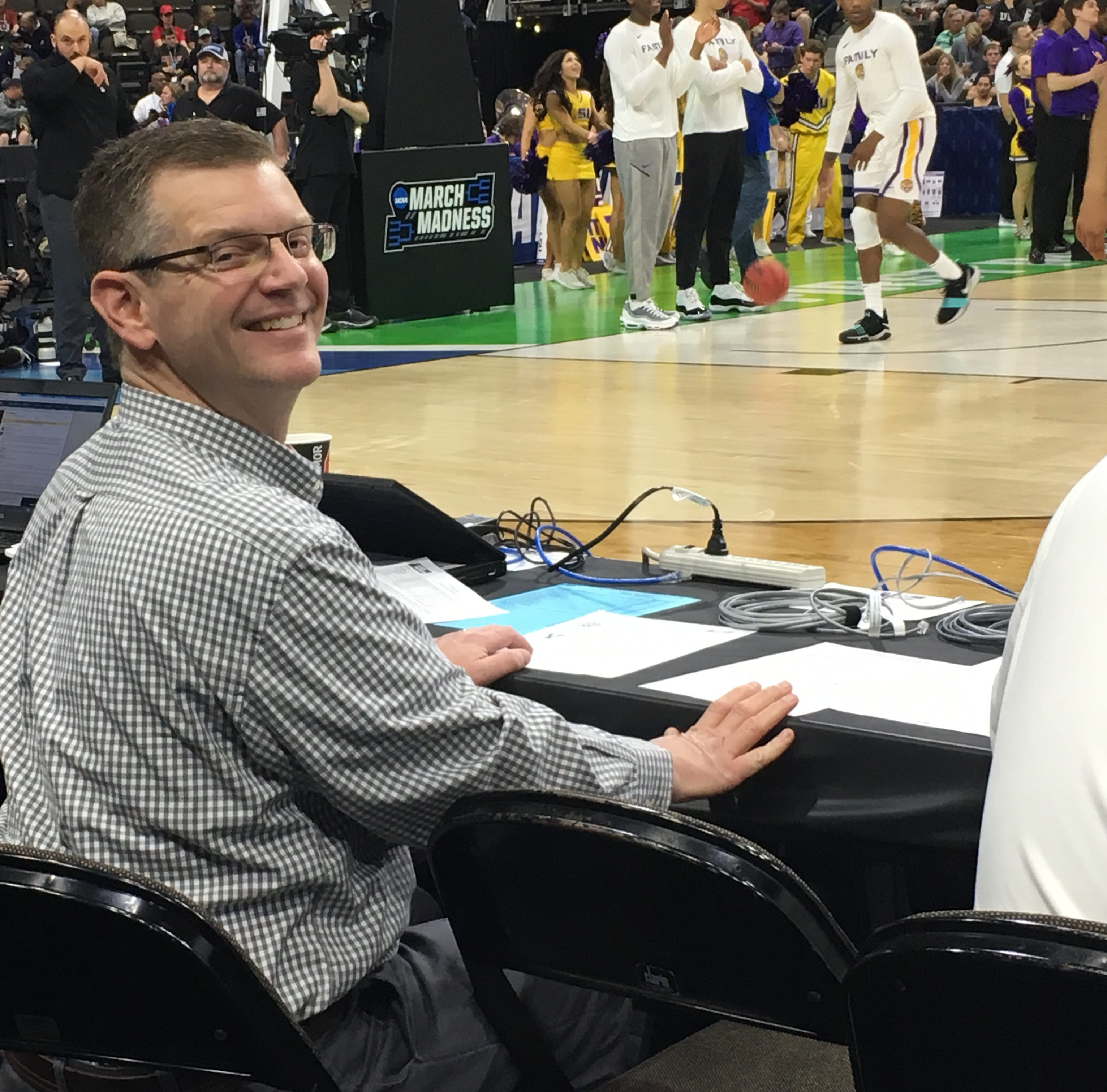 LSU player crashes into Belmont radio voice Kevin Ingram at NCAA Tournament on clear 'charge'