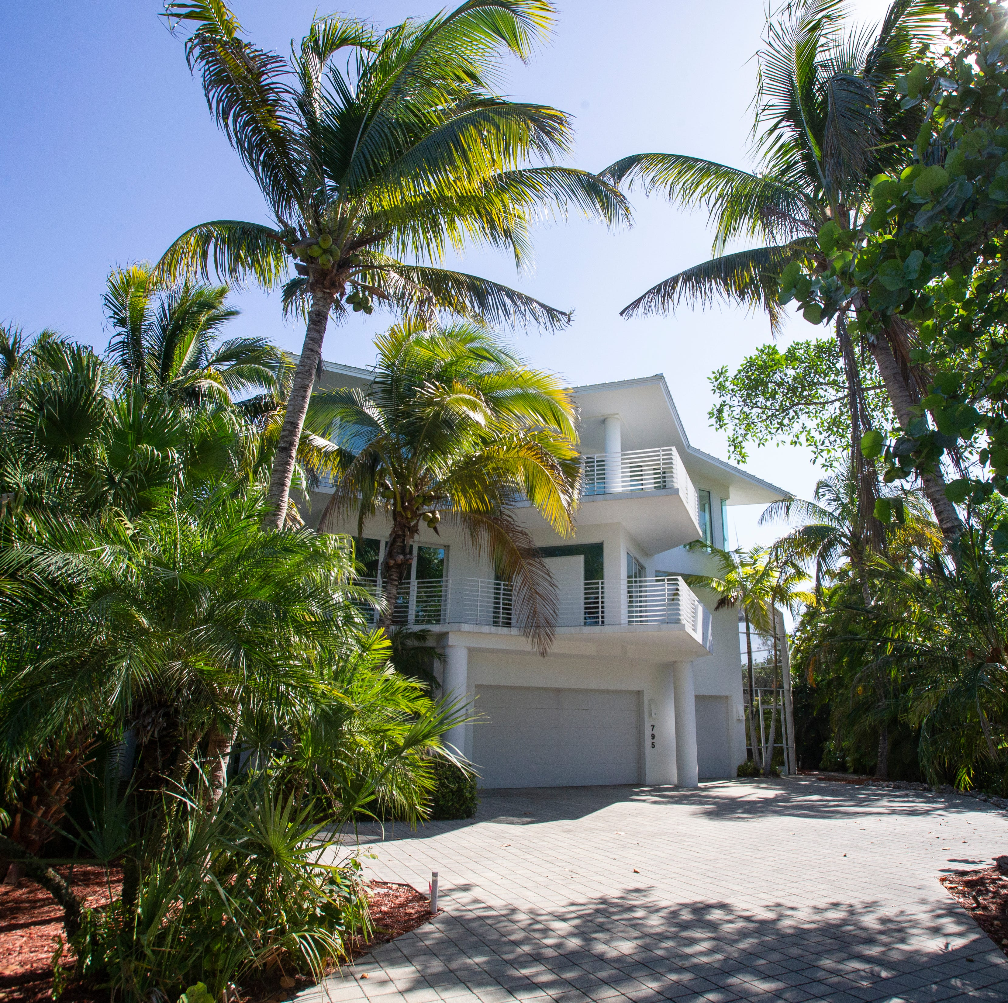 Marco Island home owned by drummer who played with KISS band members going to auction
