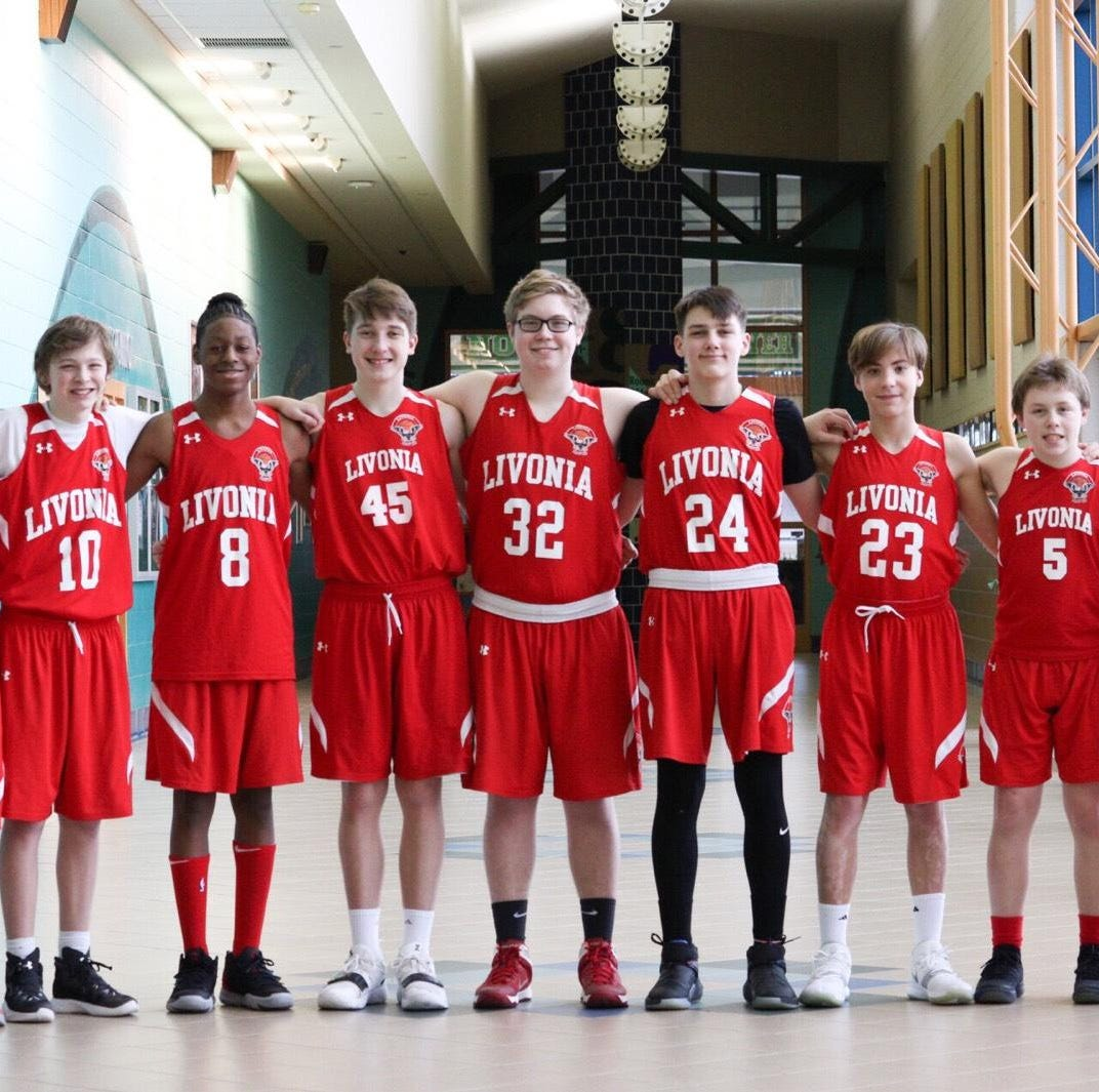 8th grade Livonia Hawks Red Team goes undefeated in regular season