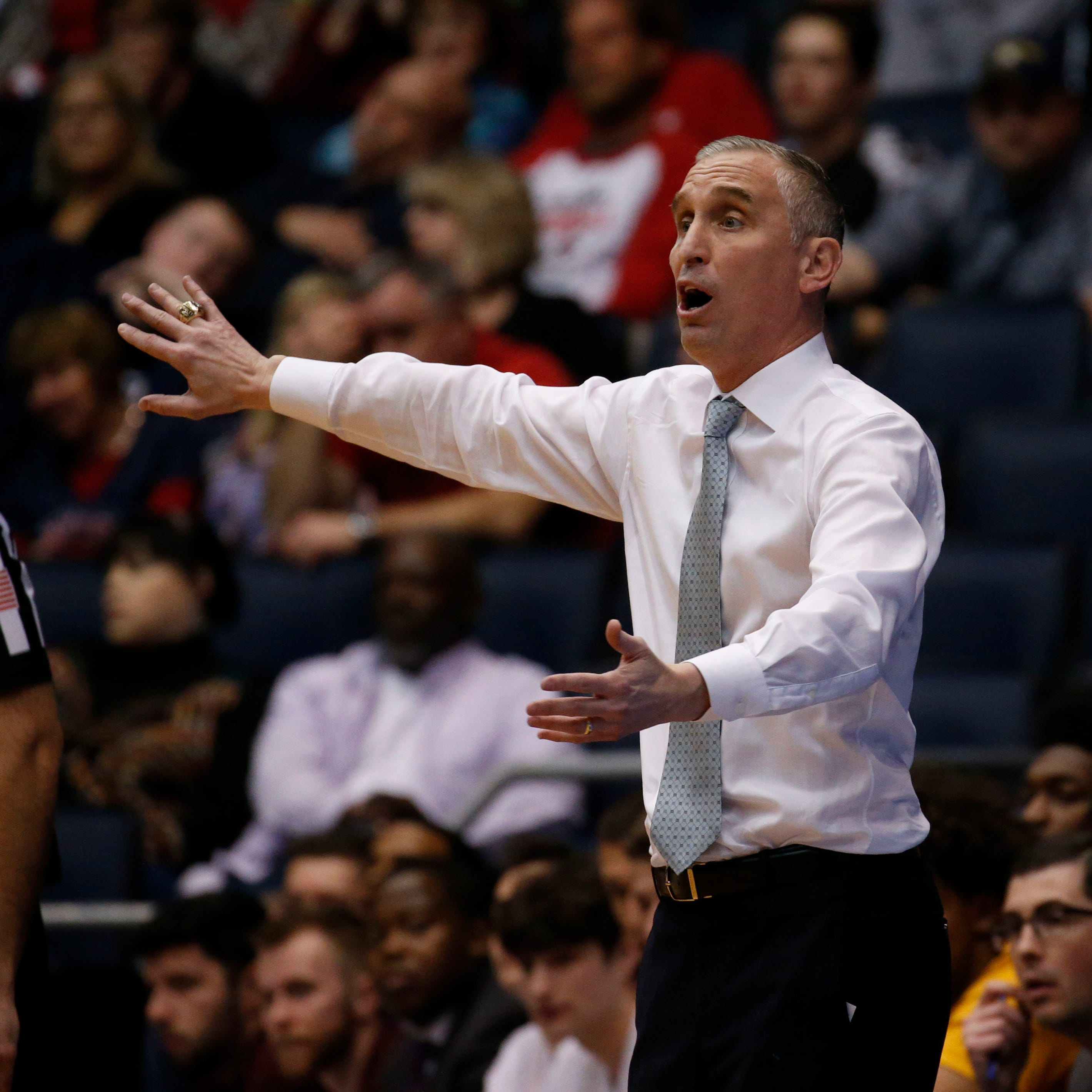 Should ASU basketball be worried about losing coach Bobby Hurley to St. John's?