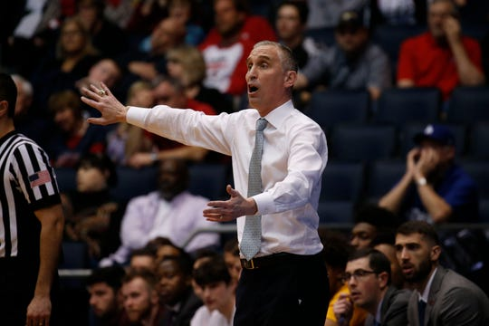 Could Bobby Hurley leave ASU for St. John's?