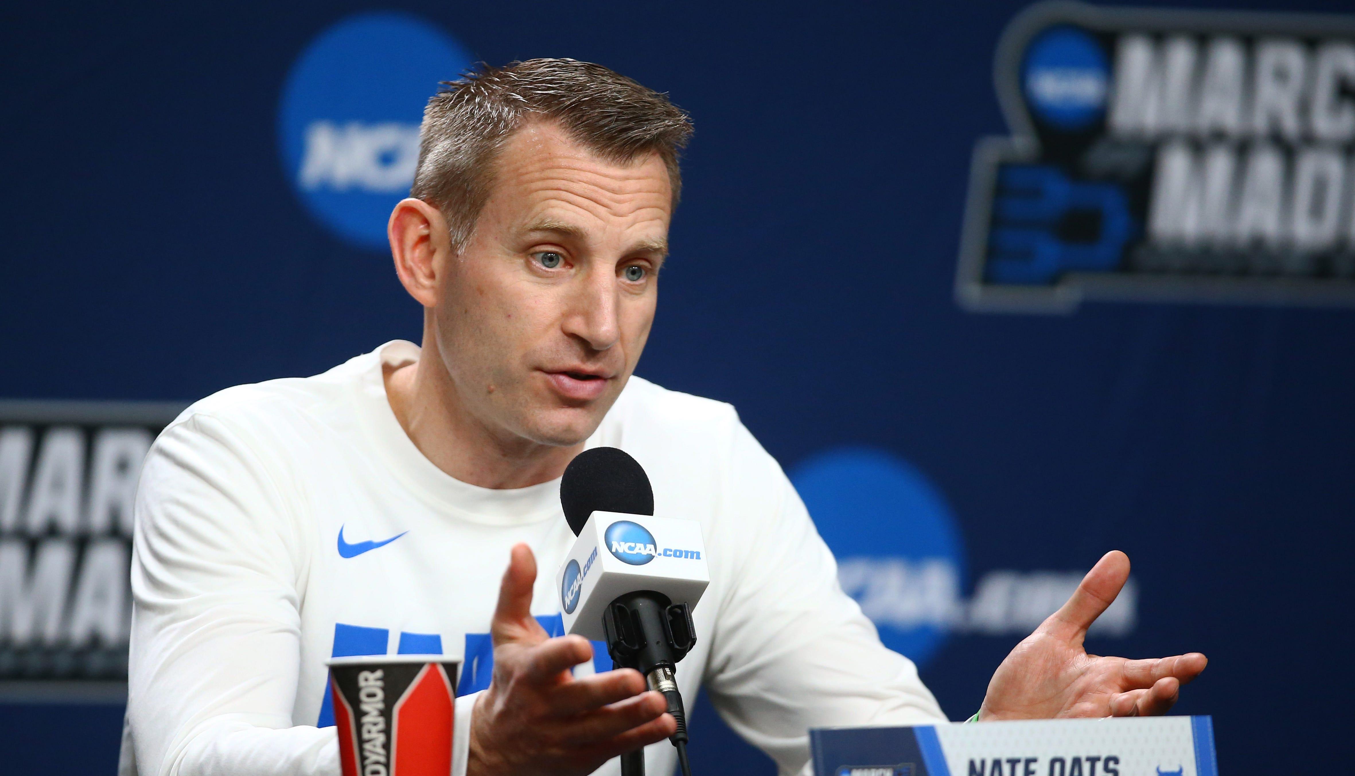 Buffalo Bulls head coach Nate Oats speaks to the...