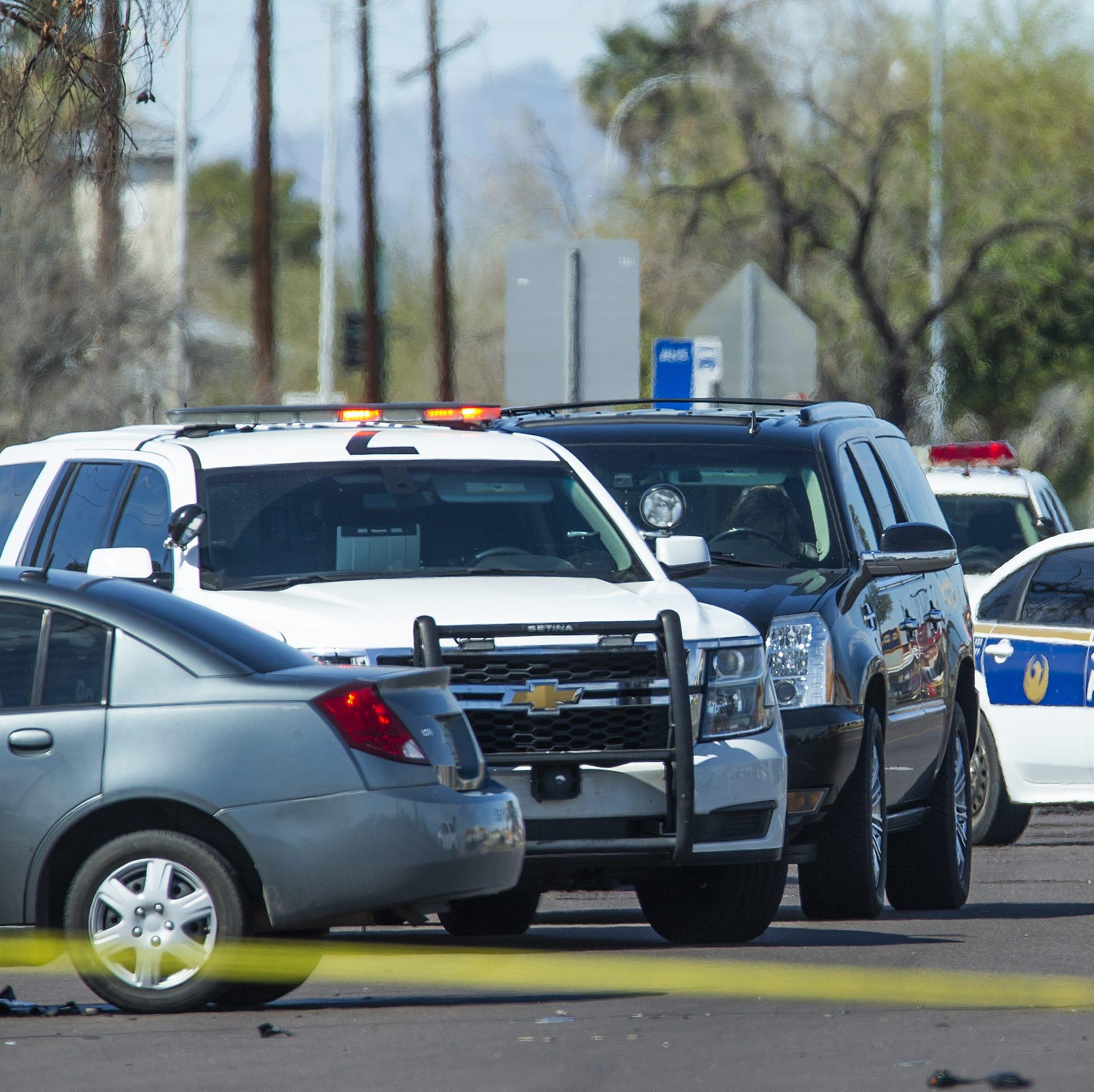 23-year Phoenix police veteran dead after being struck during crash investigation