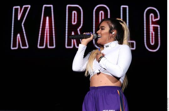Karol G está feliz de que las mujeres por fin tengan un lugar dominante en la industria de la música