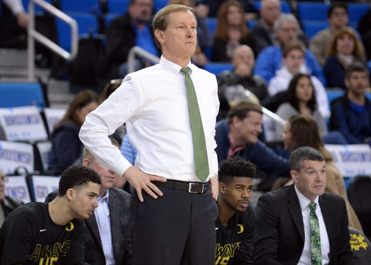 Dana Altman, University of Oregon, $2,822,000.