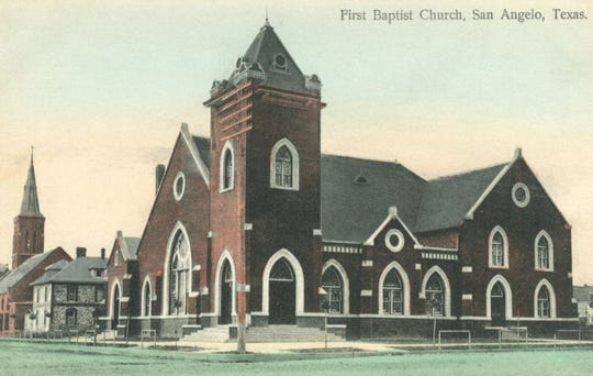 First Baptist Church in San Angelo, 37 E. Harris Ave, as it appeared upon its completion in 1908. Hitching rails for horses can be seen lining the streets.